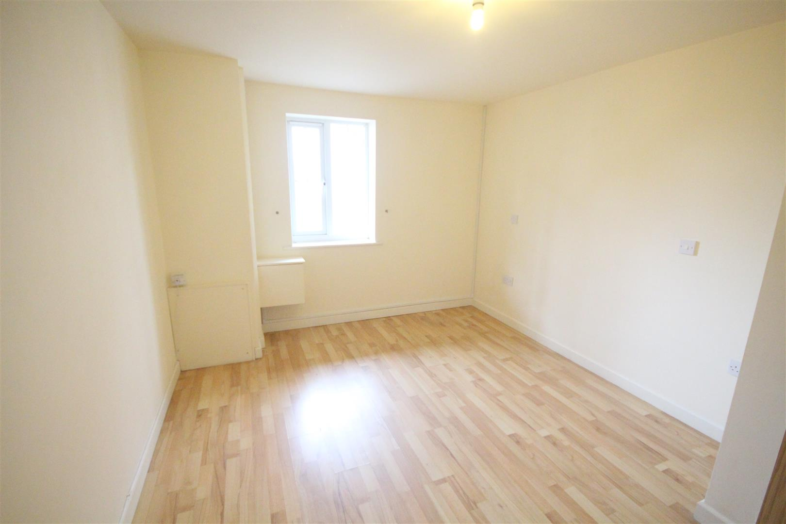 2 bedroom apartment For Sale in Colne - IMG_3458.jpg
